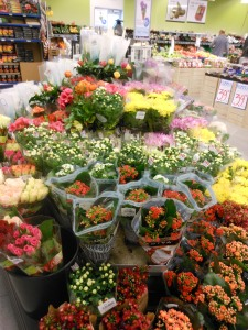 The flowers are front and center when you enter the store. Norwegians usually give flowers as hostess gifts.